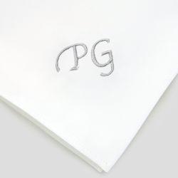 Mouchoir français coton biologique personnalisés avec initiales Style Chancellerie fabriqués brodés à Paris par PhilippeGaber ©philippegaber