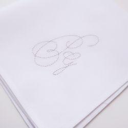 3 mouchoirs bio français, tissés en France, roulottés piqués et brodés avec le Style Script par PhilippeGaber