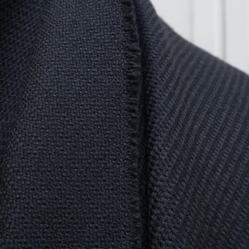 écharpe luxe Made in France pour l'homme et la femme, écharpe en cachemire et pure laine vierge noir par Philippe Gaber Paris