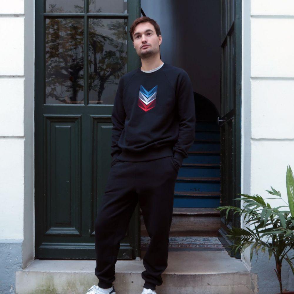 Sweat-shirt bio noir avec galons brodés - Made in France Sweat-shirt homme et femme fabriqué à Paris par Philippe Gaber