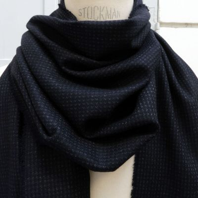 Wool and cashmere scarf gray sand delight at the tile of the temple