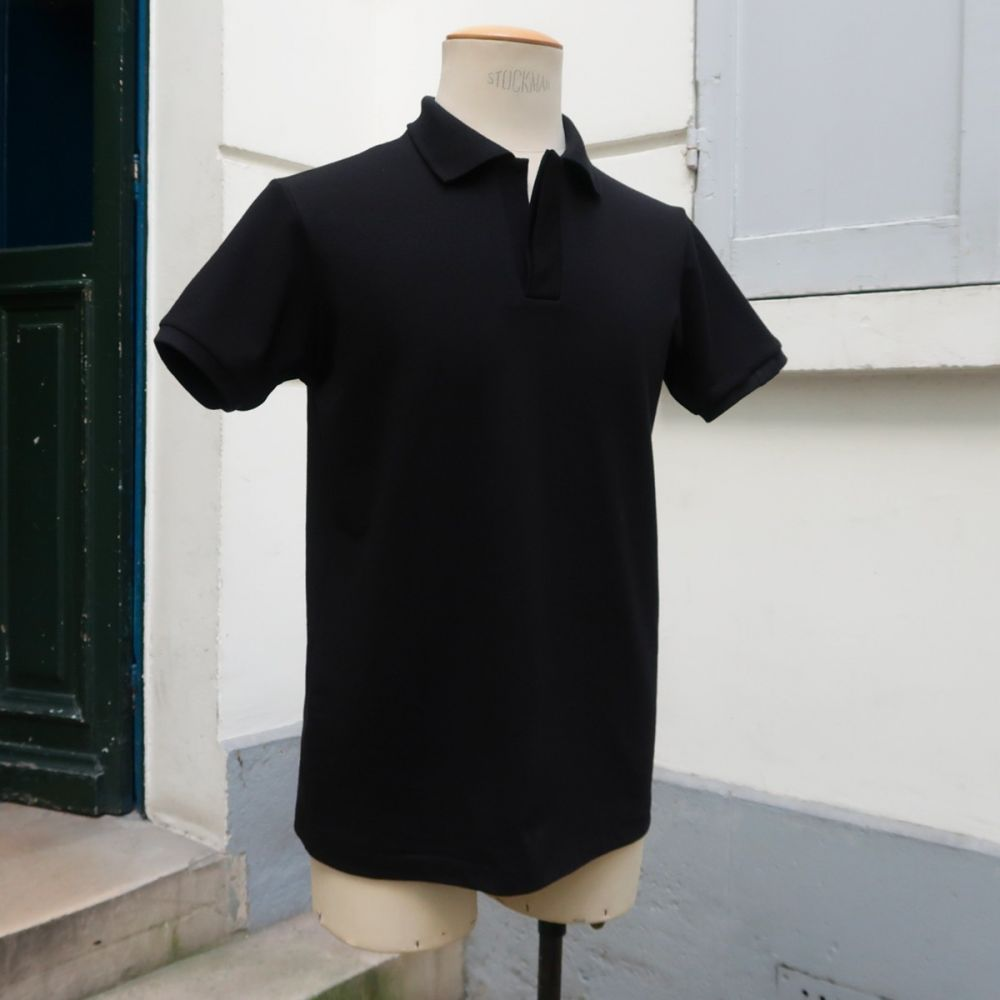 Black Organic Polo made in Paris  for men & women embroidered made in Paris by PhilippeGaber  ©philippegaber