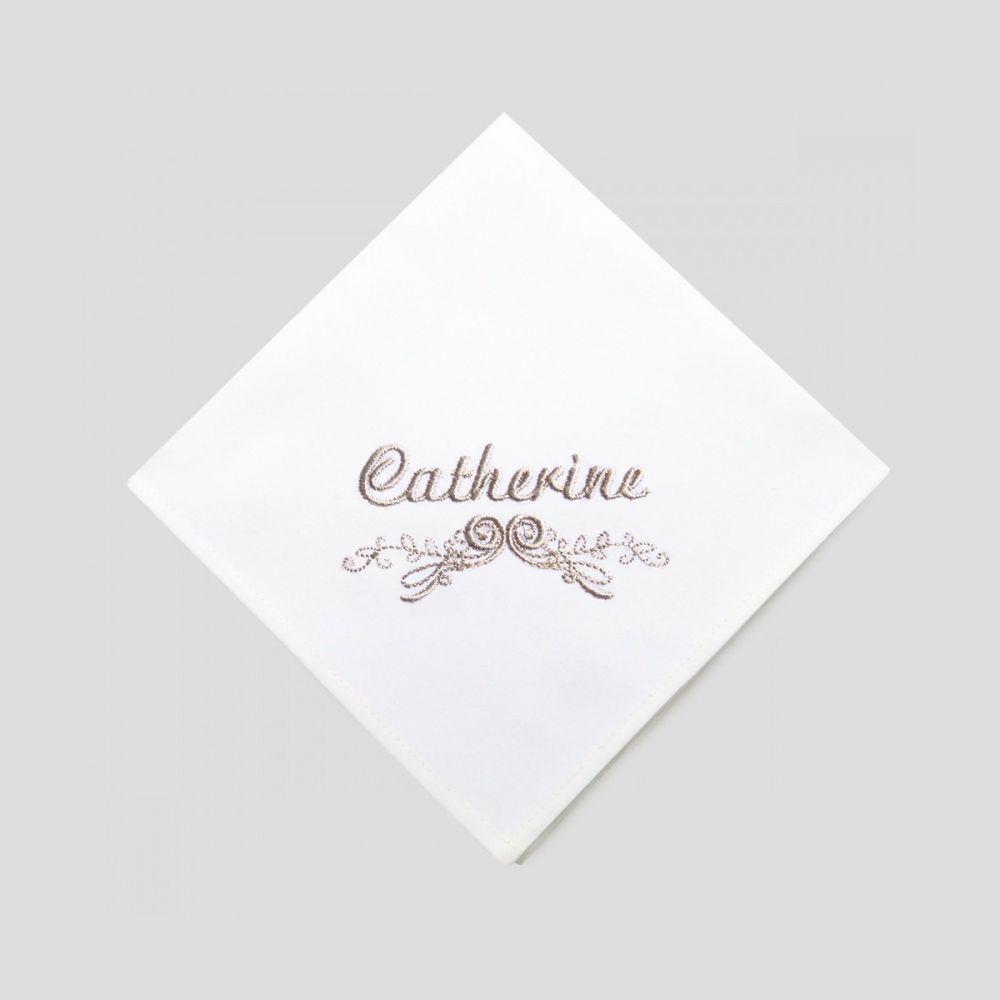 Mouchoirs Made in France coton bio personnalisés avec prénom Brodé par PhilippeGaber à Paris