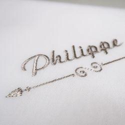 Mouchoirs bio made in france avec votre prénom Brodé style Philippe ©philippegaber