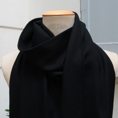 Navy woven virgin wool scarf made in Paris fashionable woven scarf made in france