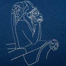 t-shirt marine made in france coton biologique Gots avec le Stryge de Notre Dame brodé au fil blanc PHILIPPEGABER