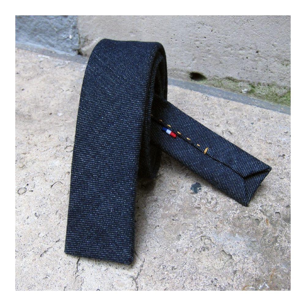 Cravate jeans bio fait main à Paris cravate luxe & éthique made in France philippegaber