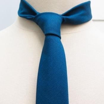 Cravate luxe coton cachemire bleu caraïbe fait main à Paris Cravates Paris Fait Main philippegaber, cravate Made in france self-