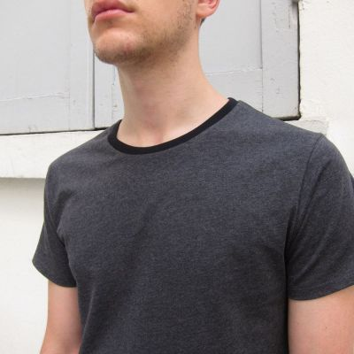 Dark grey mottled Organic T-shirt made in France with black Round neck for men and women. ethical fashion made in Paris by Philippe Gaber