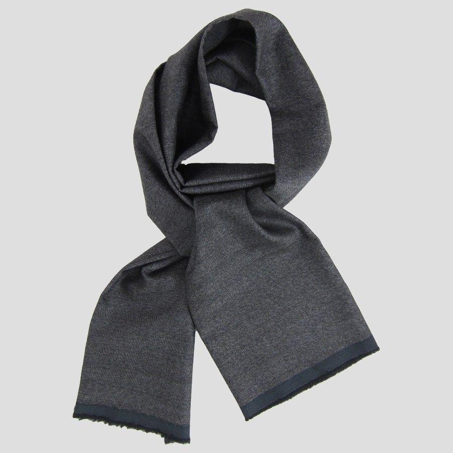 foulard pour homme en soie. Black Bedroom Furniture Sets. Home Design Ideas