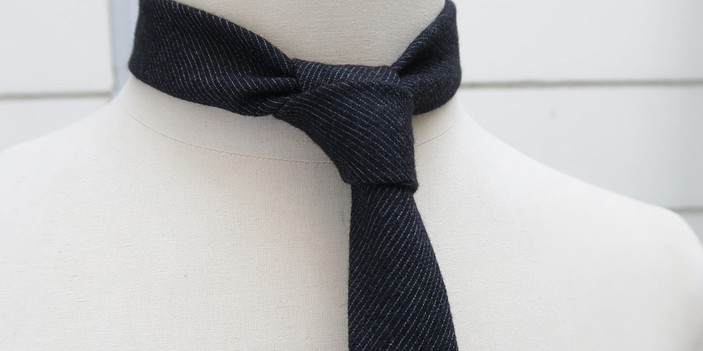 The luxury ties, narrow, straight down, handmade in Paris since 2009