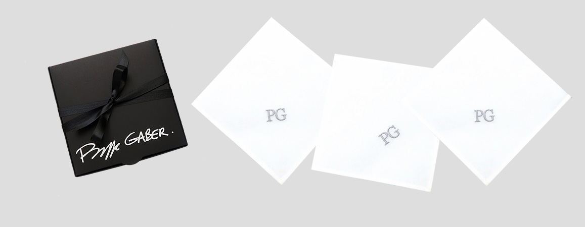 3 Mouchoirs français bio personnalisés avec vos initiales brodées à Paris par Philippe Gaber Mouchoirs luxe tissés en France, certifiés Gots et Made in France