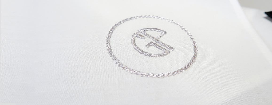 lot de 3 Mouchoirs en coton bio français personnalisés avec vos initiales brodées style parisien Mouchoirs tissés en France fabriqués et brodées à Paris par PhilippeGaber